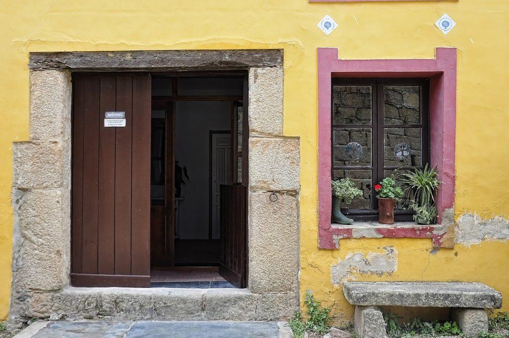 doors-1606646_1280